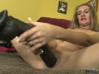 Sarah james ファック と 吸う バイ 彼女の gigantic セックス トイズ