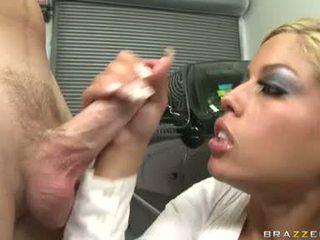 Sexy šľapka bridgette b enjoys a meaty shaft drilling unfathomable v ju zlaté ústa