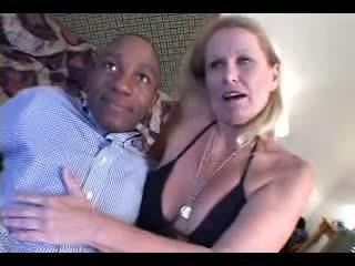 가장 좋은 할머니 참조, 뜨거운 성숙, 섹스하고 싶은 중년 여성 온라인으로