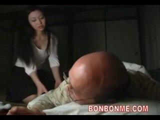 Μητέρα που θα ήθελα να γαμήσω πατήσαμε με γριά άνθρωπος 01
