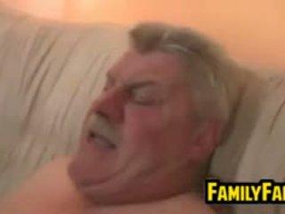 Giovanissima scopata da suo grasso padre in legge