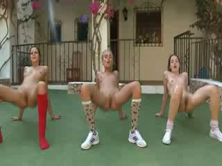 Trio mudo lesbos making erobik
