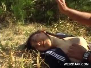 Innocent asia sekolah gadis terpaksa ke gambar/video porno vulgar seks di luar