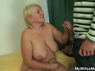 Masturbação mãe gets busted e screwed