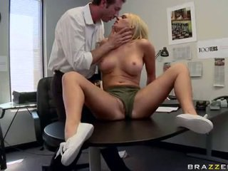 Lascivious krissy lynn inserts a massive meatpole hard in that guyr mouth till she chokes
