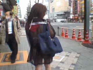 Mikan astonishing ázsiai diáklány enjoys nyilvános