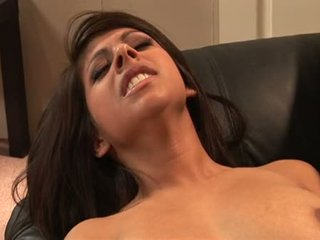 InDia Summers Use 2 Sextoy To Frill A Hot Playgirl