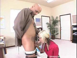 Christine alexis seduces uomo involving suo lacy lingerie
