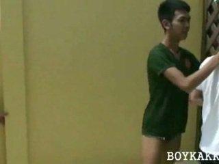 Тайська красунчик трахання секс утрьох