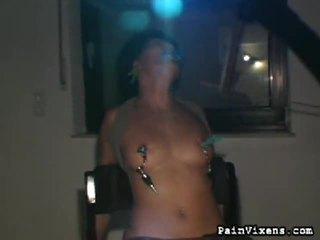 een marteling porno, pijnlijk scène, een extreem thumbnail