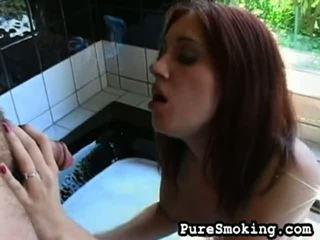 Sara Lee Gives Smokin' Head