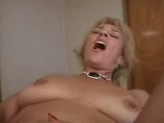 My Mom Is Mature And Kinky (amateur milf) scn 3
