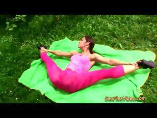 Мила flexi contortionist трахання в природа