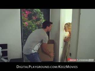 Manuel ferrara - big-tit blondin seduces henne människa färsk ut av den dusch