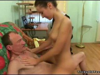 Старий репетитор gets пеніс loving дію
