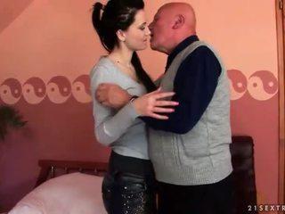 brunetka, hardcore sex, seks oralny, ssać
