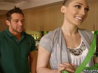 Bald woman lily labeau has a welcome shag from her oustanding joystick pepadhamu