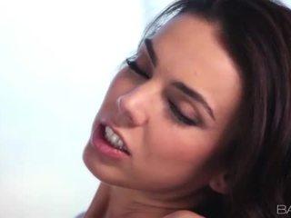 cea mai tare brunetă gratis, hardcore sex, uita-te sex oral