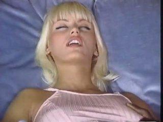 Anita tóc vàng