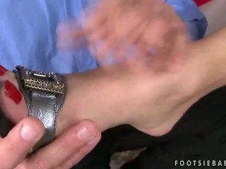 Lea Lexus enjoys hot foot fetish
