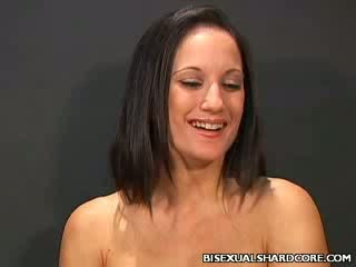 Anitta's bi sex 3some