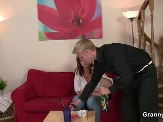 Drunken 여성 이다 picked 올라 과 엿