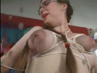 授乳中 ポルノの