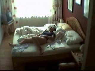 Aamu masturbation of minun mum sisään makuuhuone