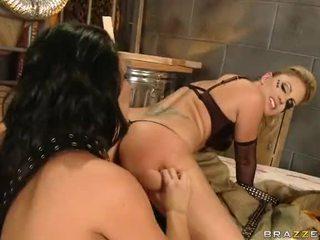 Tattooed lesbians pasuryan sitting in bukkake gangbang video