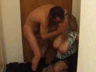 Buah dada besar perancis dewasa di dalam anal apaan