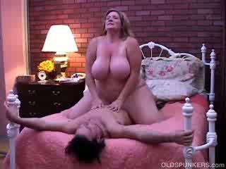 स्तन, गोल - मटोल, पुराना