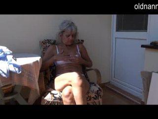 못된 이전 할머니 자위 와 장난감 비디오