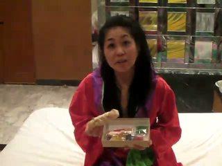 Japanese masturbation with HigoZuiki Bijin dildo