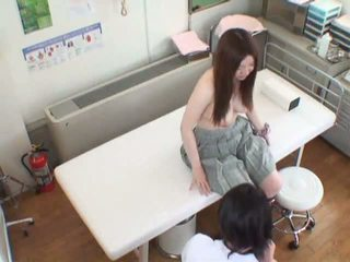 Spycam bojo seduced by a masseur and gets her burungpun served