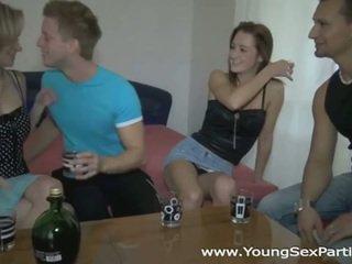 Borracha sluts en caliente joven sexo fiesta