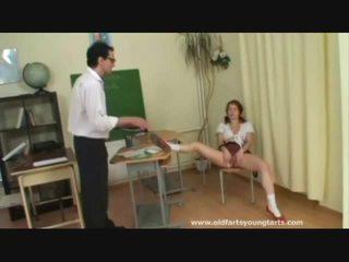 vader, nominale schoolmeisje, controleren schoolmeisje seks film