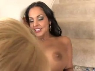 Nina Mercedez popular demand