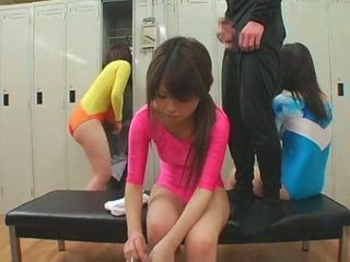 Schoolgirls मिलना फेशियल cumshots में unusual शैली