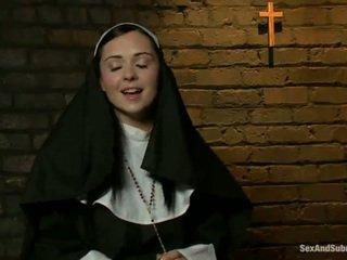Еротичен монахиня has tied нагоре и bumped груб от two persons