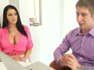 Bigtitted Black Haired Alexis Grace Receives Python
