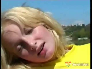 groot blondjes, heet speelgoed actie, seks in de buitenlucht film