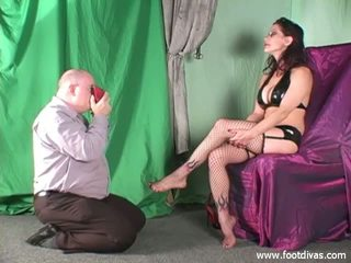 Jazzmine gets her shoes and feet sniffed