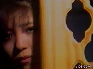 babe Oriental doll spies on Asian couple