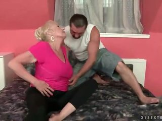 Найкраща з lusty grandmas
