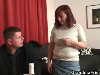 Бабичка loses в лента покер
