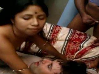 Indien ado does 4 guys avant bukkake