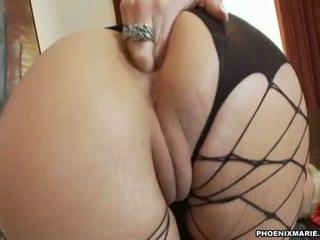 Hawt buta assed hawttie phoenix marie plugs her beloved toy in her moist hole