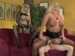 Alura jenson ו - jacky joy two גדול titted blondes having shaged