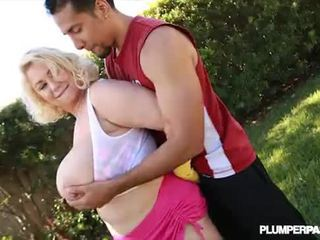Queen BBW Samantha 38G Knocks Out Boxing Teacher With Tits