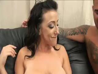 mooi brunette kanaal, plezier eerste keer scène, anaal